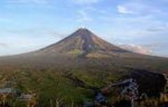 Rescuers save Russian climber trapped near crater of Mt. Mayon