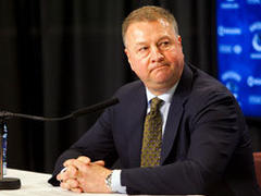 Clock ticking on Vancouver Canucks' Mike Gillis